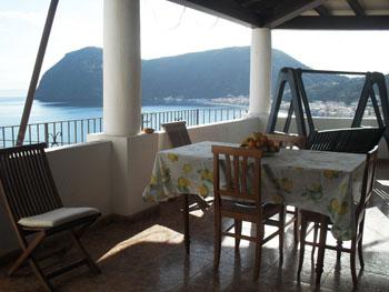 Terrazza con vista sul mare casa in affitto a Lipari